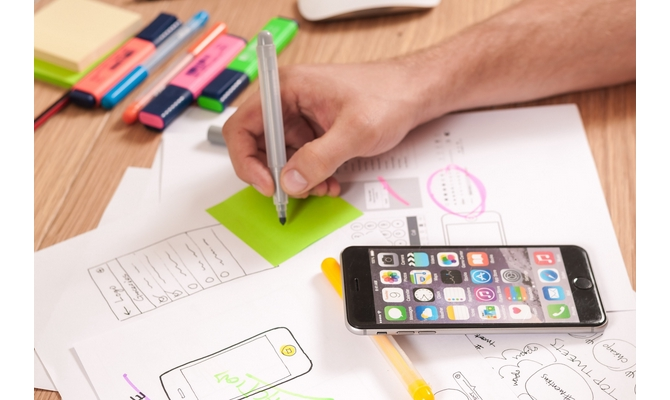 develop an iOS App in native Apple programming language Swift